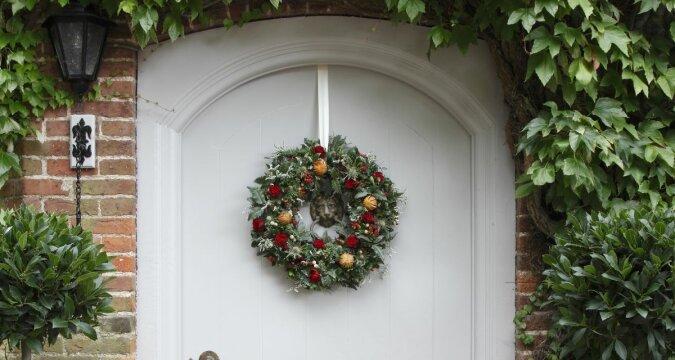 """""""Weihnachten in Blumen"""": Der berühmte Florist hat einen neuen Trend für Weihnachtsdekorationen entwickelt"""