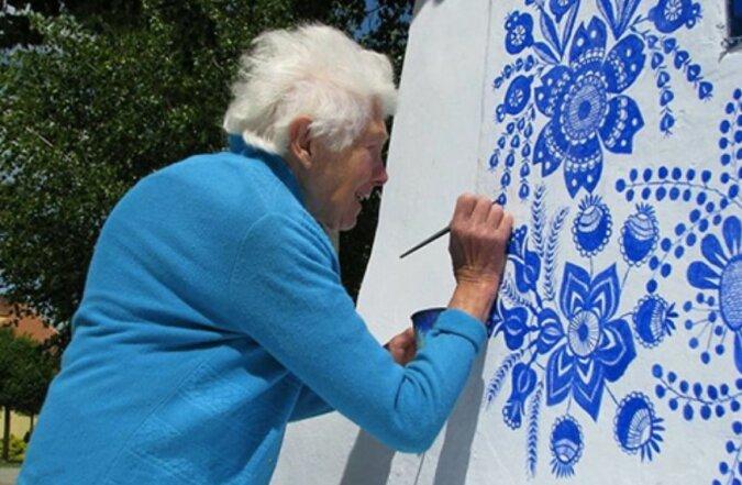 Die 90-jährige Frau verwandelt Häuser in echte Kunstwerke