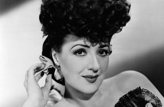 """""""Königin von Burlesque"""": seltenes Filmmaterial der berühmtesten Tänzerin des zwanzigsten Jahrhunderts, Gypsy Rose Lee"""