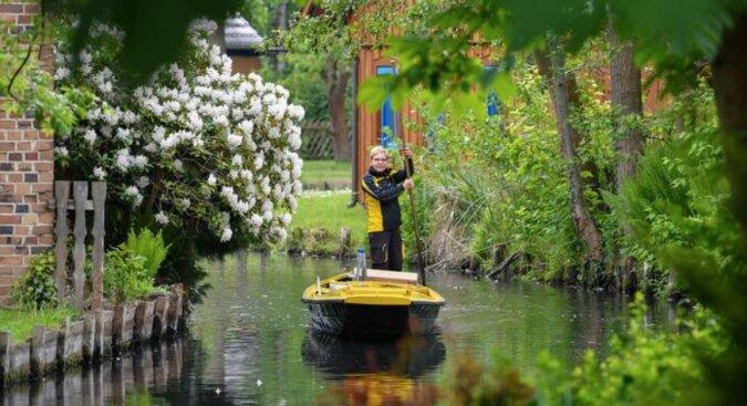 Ungewöhnliche Tradition: warum man im Spreewald Post auf dem Wasserweg zustellt