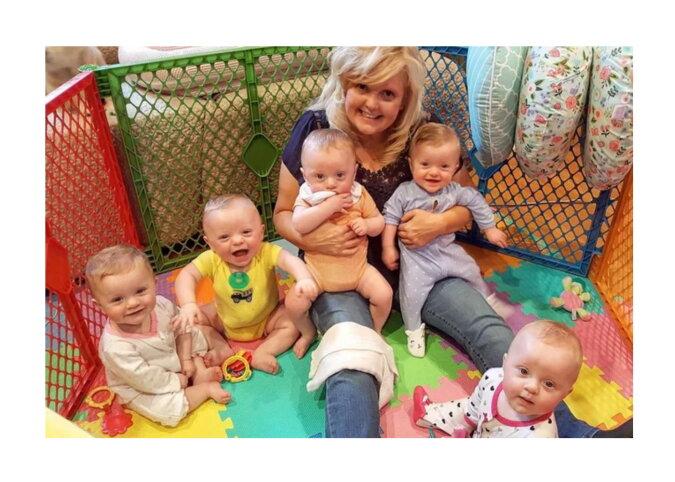 Die Familie mit Fünflingen. Quelle: goodhouse