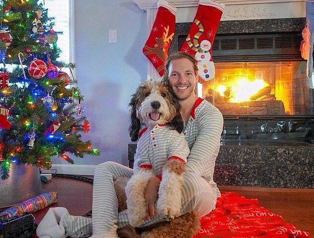 """""""Ein Team und eine Familie"""": Ein Mann nimmt seinen Hund auf allen Reisen mit, und die Beiden sind im Netz schon ziemlich populär geworden"""