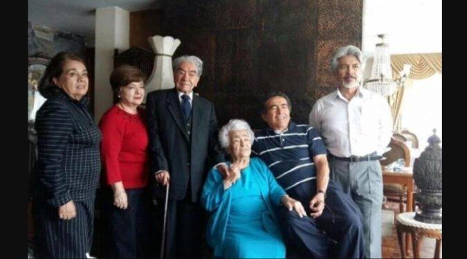 Elf Enkel, 21 Urenkel und neun Ur-Ur-Enkel: Ein Paar hat den Rekord für die längste Ehe aufgestellt, die Beiden sind bereits seit 79 Jahren zusammen