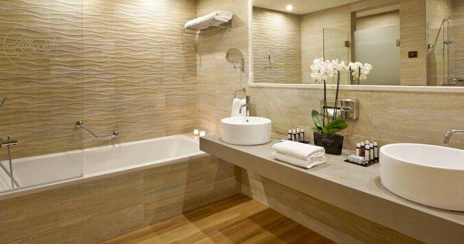Ein Ehemann hat aufgehört, die Toilette zu spülen: Zuerst war seine Ehefrau empört, jetzt macht sie das Gleiche