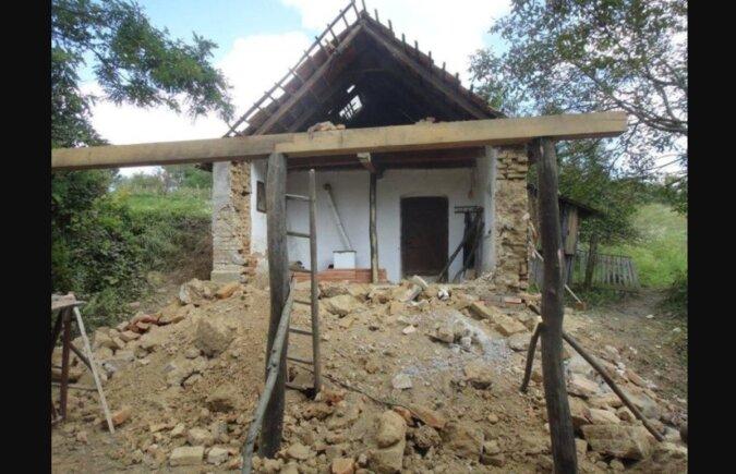 Ein junges Paar hatte nicht genug Geld für eine Wohnung: Es beschloss, ein altes Landhaus umzubauen