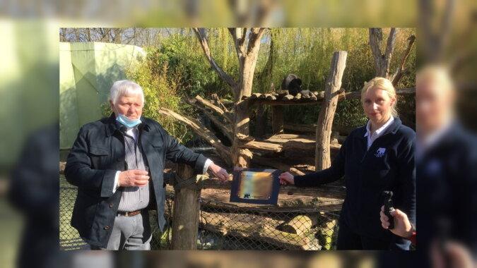 Horst Eschler mit der Zoodirektorin Dr. Simone Schehka. Quelle: antennemuenster