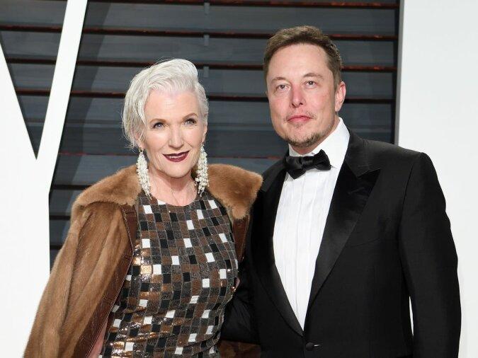 """""""Kleines Genie"""": Elon Musks Mutter Maye erzählte über den Moment, als sie erkannte, dass ihr Sohn ein Wunderkind ist"""