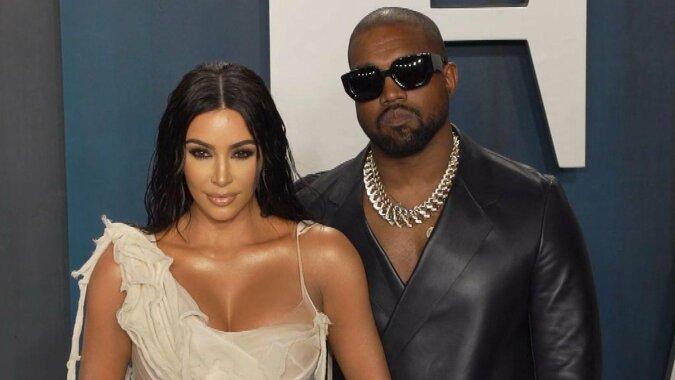 Die Sterne Zwietracht: Kim Kardashian hat über die Scheidung von Kanye West sprechen begonnen