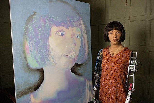 """""""Selbstporträts spiegeln"""": Der weltweit erste Roboterkünstler wird seine ersten Arbeiten ausstellen"""