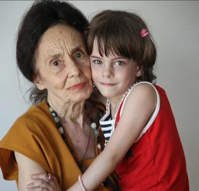 Im Alter von 66 Jahren ist eine Frau zum ersten Mal Mutter