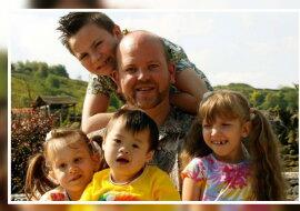Ein kinderreicher Vater. Quelle: laykni.com