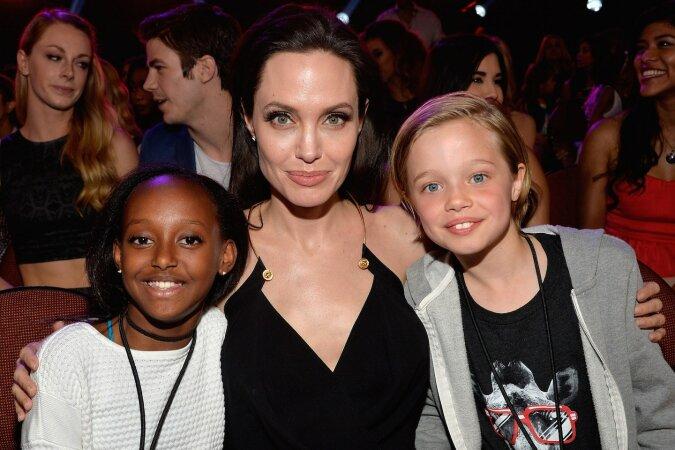 """""""Familienidylle"""": Angelina Jolie arrangierte mit Kindern eine Familienfotosession"""