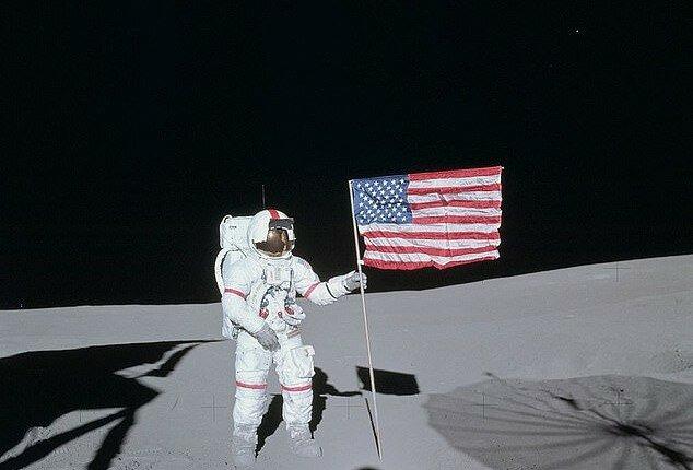 """""""Golf auf dem Mond"""": Astronauten fanden auf dem Satelliten einen Ball, der dort 50 Jahre lag, Details"""