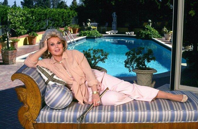 Das Haus der Hollywood-Legende Zsa Zsa Gabor, in dem sie Präsidenten und sogar die Königin beherbergte, steht für 16 Millionen US-Dollar zum Verkauf