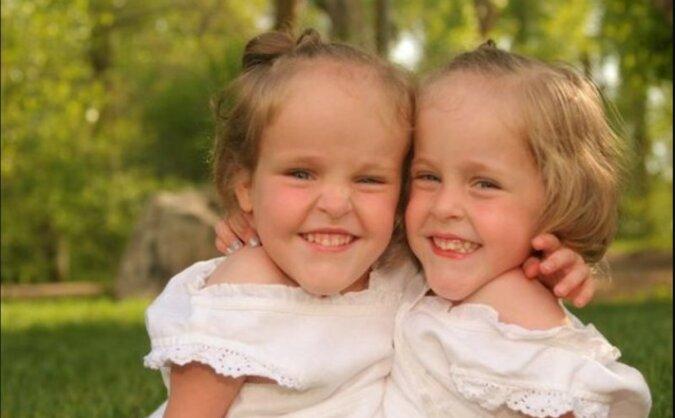 Kleine Schwester. Quelle: laykni.com