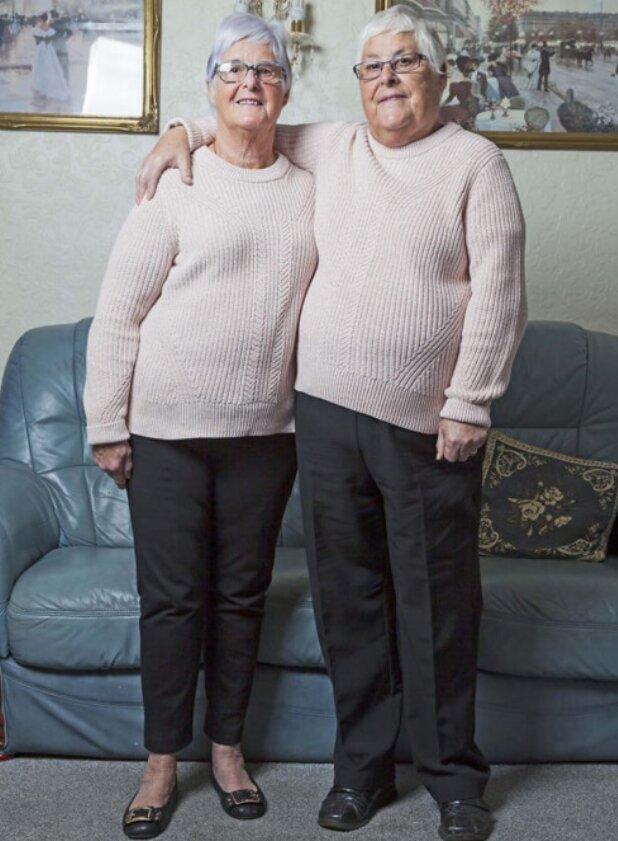 Wieder zusammen: Wie die Zwillingsschwestern nach langer