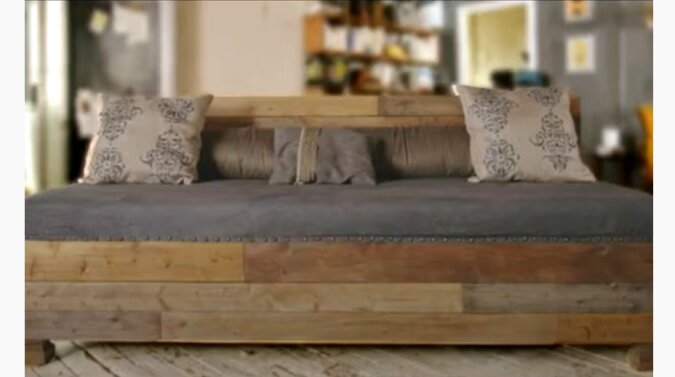 Sofa. Quelle: Screenshot YouTube