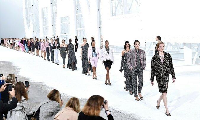"""""""Haute Couture"""": Das Modehaus Chanel präsentierte eine neue Kollektion"""