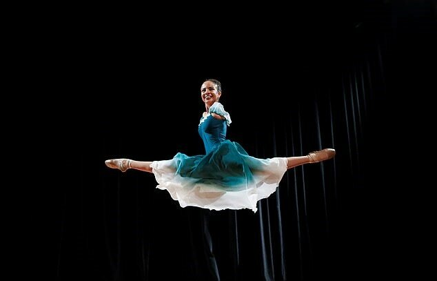 """""""Leben ohne Einmischung"""": Eine Ballerina mit Besonderheiten inspirierte die ganze Welt mit ihrem Beispiel"""