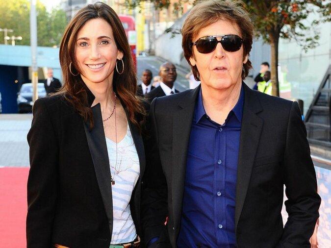 """""""Warmes Weihnachten"""": Sir Paul McCartney und seine Frau Nancy beschlossen, die Winterferien am Strand zu verbringen"""