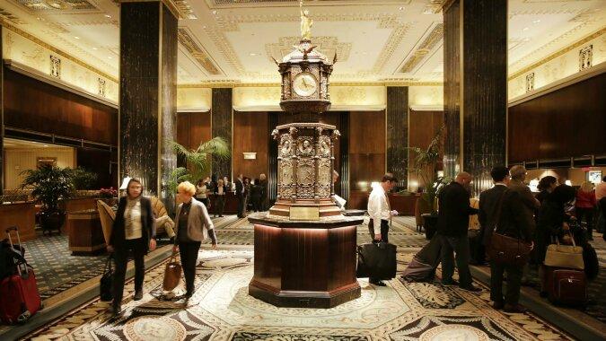 Zeugen der Geschichte: die Gegenstände aus den Hotelzimmern von Eduard Herzog von Windsor, Churchill und Wallis Simpson werden versteigert