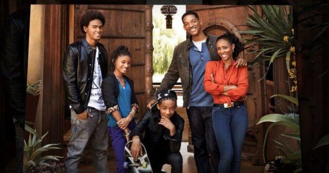 Will Smith mit seiner Familie. Quelle: Screenshot YouTube