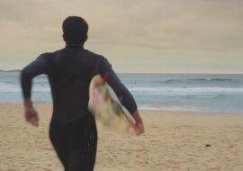 Die Geschichte eines besonderen Surfers: Trotz Hindernissen erfüllte er den Traum seines Vaters