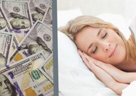 Eine schlafende Frau und Geld. Quelle: wi-fi.com