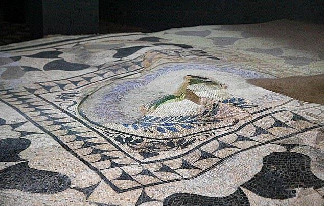 """""""Der Luxus Roms"""": Archäologen haben eine antike Villa mit reichhaltigem Dekor entdeckt"""