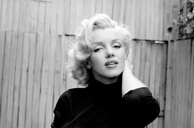 """""""Sternauktion"""": zu welchem Preis Elvis Presleys Ring und Marilyn Monroes Markenkoffer versteigert wurden, Details"""