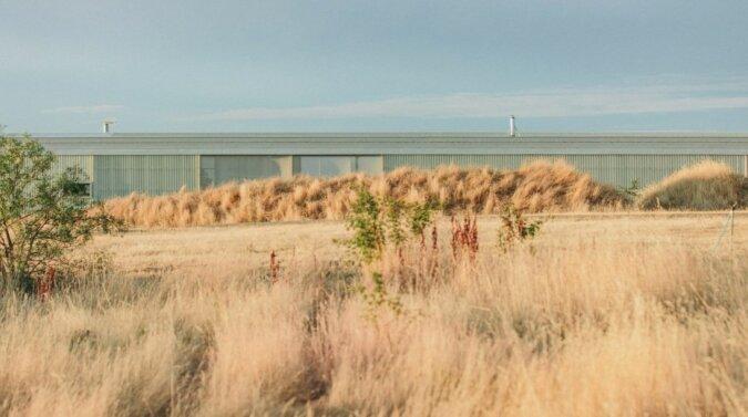 """""""Ungewöhnlich und multifunktional"""": Ein 110 Meter langes Haus mit allem, was man zum Leben braucht"""