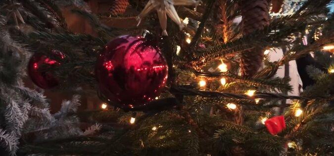 Weihnachtsbaum. Quelle: Screenshot YouTube