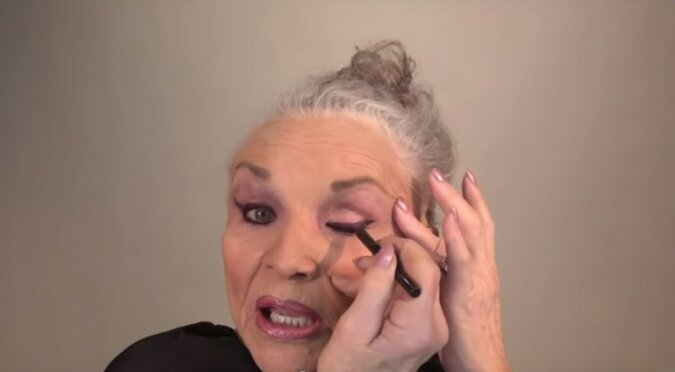 """""""Echte Veränderung"""": 80-jährige Frau schminkt sich besser als Make-up-Künstler"""