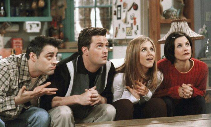 """""""Voraussetzung"""": Was Matthew Perry tun musste, um Julia Roberts zu überzeugen, in der TV-Serie """"Friends"""" mitzuspielen"""