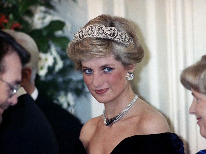 """""""Fast ununterscheidbar"""": Wie die Autoren der Serie """"Die Krone"""" kultige Momente des Lebens von Prinzessin Diana reproduzierten"""
