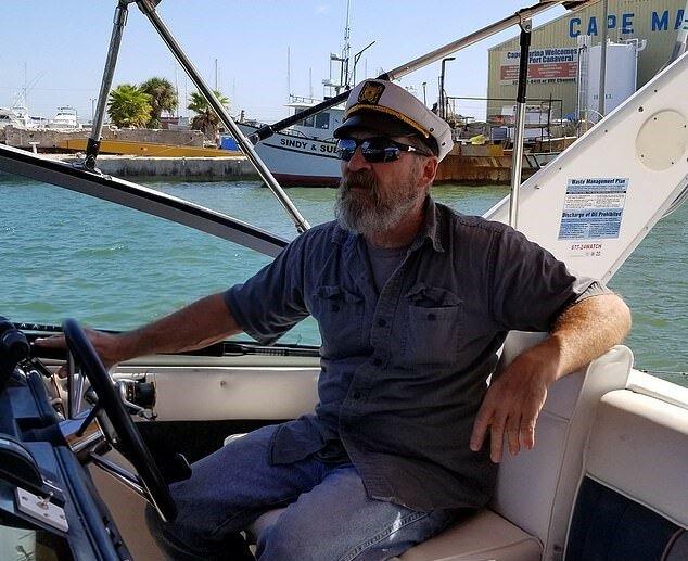 """""""Der letzte Held"""": Der 62-jährige Seemann verschwand auf See, wurde aber nach 43 Stunden gesund und munter gefunden"""