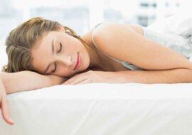"""""""Königreich von Morpheus"""": Frauen teilten ihre Geheimnisse darüber, wie sie schneller einschlafen und einen guten Schlaf bekommen"""