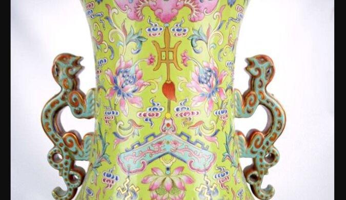 Die Vase diente als ein Behälter für Stöcke: Die Frau hatte keine Ahnung, dass sie einem Vermögen wert war