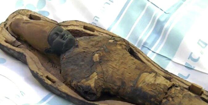 Ein Sarkophag. Quelle: Screenshot YouTube