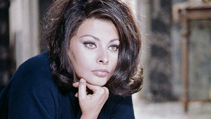 """""""Brautkleid"""": Hollywood-Legende Sophia Loren erzählt, was sie immer noch bedauert"""