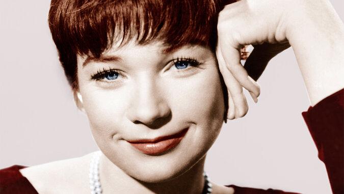 """""""Immer noch eine Königin"""": Die Hollywood-Legende Shirley MacLaine hat allen bewiesen, dass sie mit 86 Jahren voller Kraft ist"""