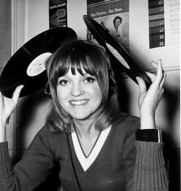 Die erste weibliche DJ Annie Nightingale erzählte wenig bekannte Geschichten über die Beatles