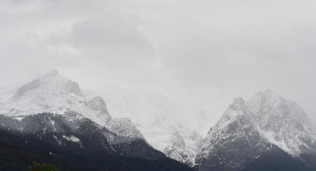 Herbst in Deutschland: In Bayern fiel Schnee und Kühe stiegen von den Bergwiesen ab