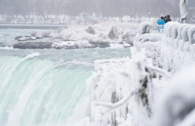 """""""Eiswasserfall"""": Wie die Niagarafälle bei niedrigen Temperaturen aussehen"""