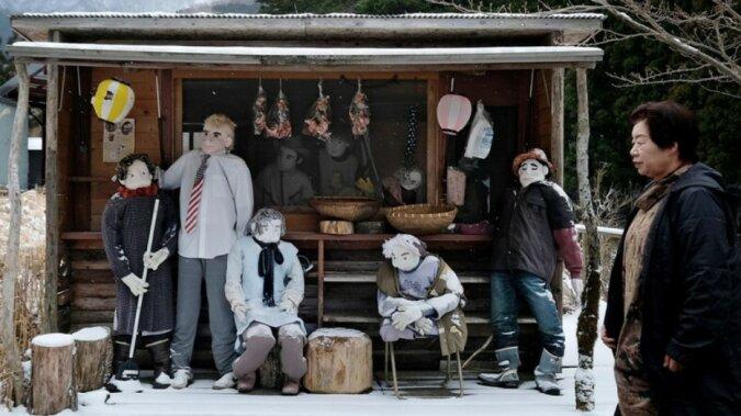 Stille Nachbarn: Ein kleines Dorf, in dem fast alle Einwohner Puppen sind