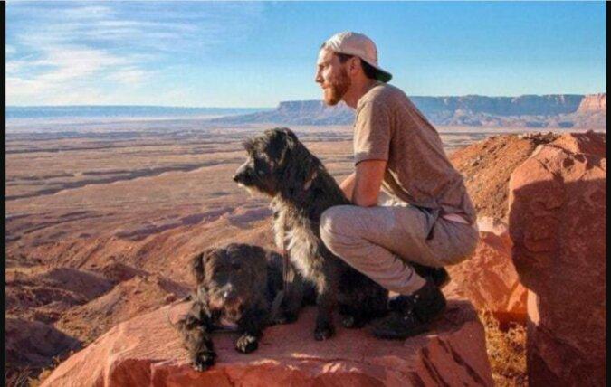 Der Mann mit den Hunden. Quelle: ostrnum.com