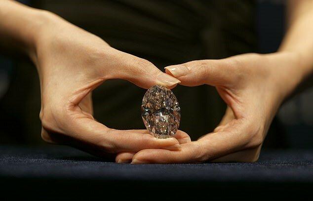 Seltener 102-Karat-Diamant soll für 33 Millionen US-Dollar verkauft werden: die Einzelheiten