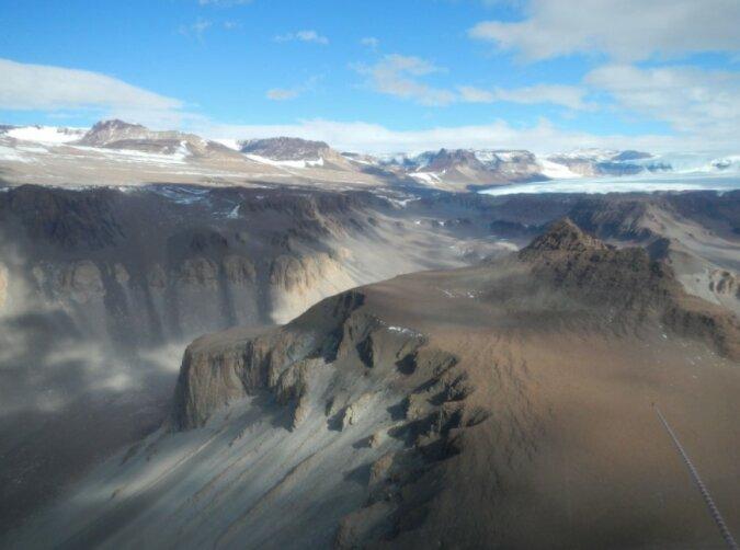 """""""2 Millionen Jahre ohne Niederschlag"""": Es wurde bekannt, wo sich der trockenste Ort der Erde befindet"""