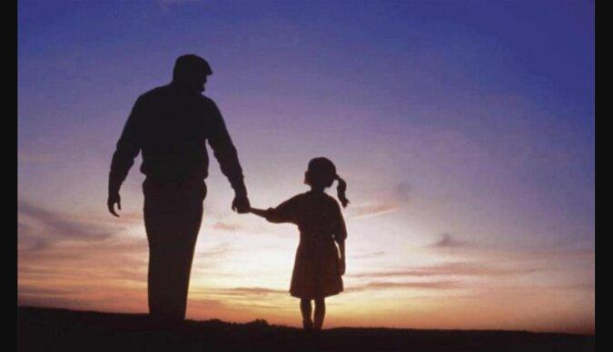 """""""Vielleicht brauchen Sie eine Tochter"""": Der Mann schaute das kleine Mädchen erstaunt an und traf dann eine große Entscheidung"""