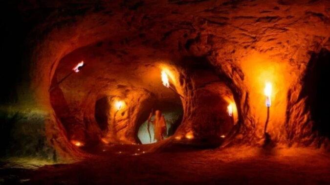 Eine Höhle. Quelle: hi-news